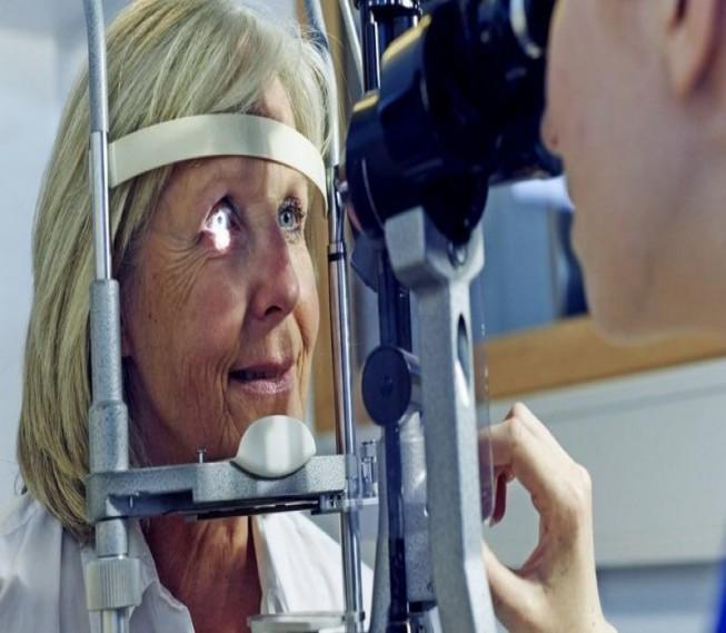 فيروس كورونا: نصائح لحماية العين خلال فترة الإغلاق